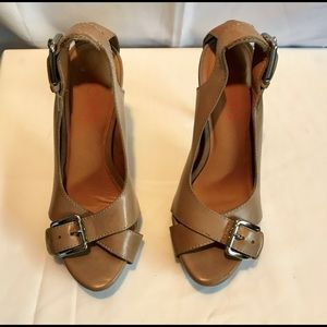 KORS 8.5 peep toe heels w/silver buckle detail